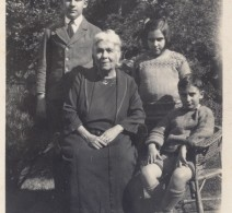 Diana with grandchildren, Lionel, Diana and Vanick, 1925.